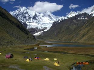 hiking tours in the mountain range huayhuas peru mountain guides, to UIAGM